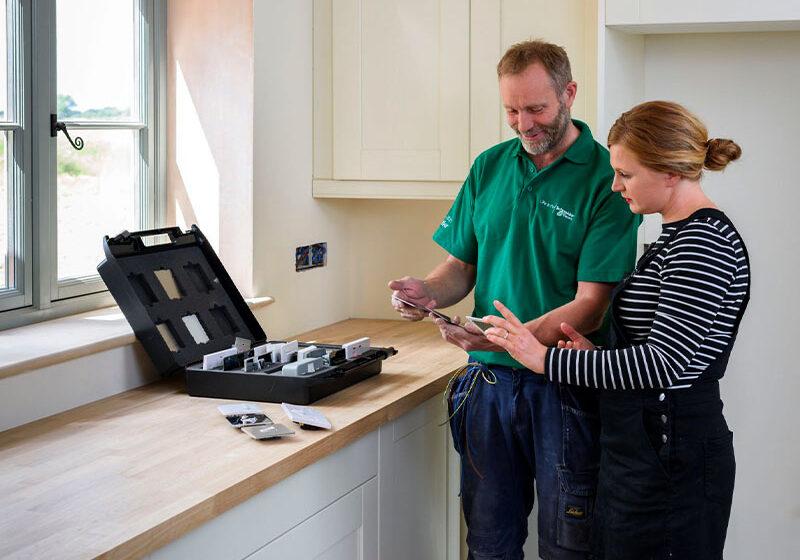 Seguridad y eficiencia eléctrica, las claves para tener un hogar más protegido y conectado
