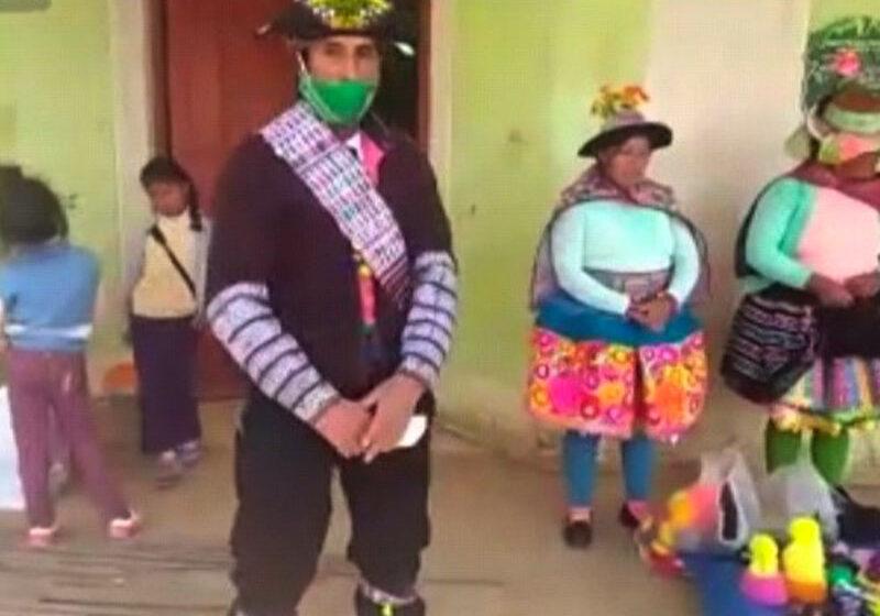 Mujeres tejedoras y agricultores de Huancavelica desarrollarán negocios online con internet 4G