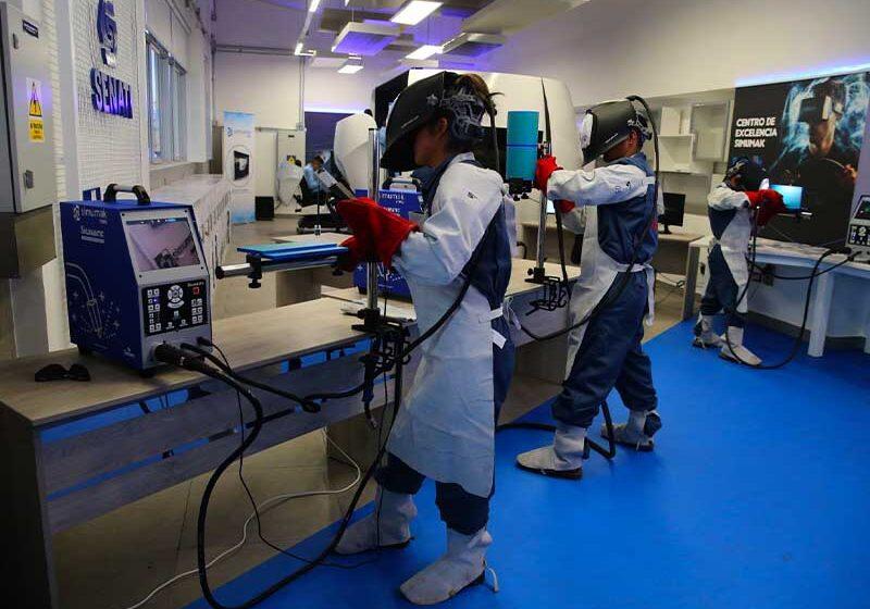 Estudiantes incrementarán habilidades en IA, Nube y Ciberseguridad gracias a IBM y SENATI