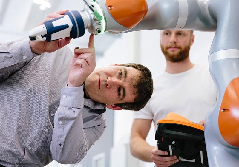 Escalar la Industria 4.0 con IA y nube híbrida